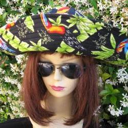 Black Parrot Print Wide Brim Sunhat